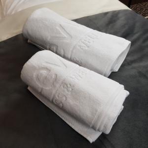 Pościel i ręczniki hotelowe